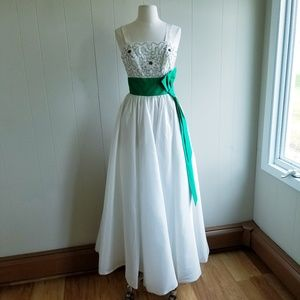 1950s Unlabeled Matte Satin Prom/Party Dress